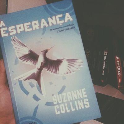 Ler novamente o melhor livro da saga ? ? Book Mockinjay Trilogia Thg vscocam