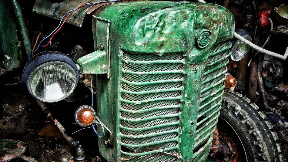 Tractor Old Tractor Tractors Machine Old Machines Forgotten Forgotten Places  Forgotten Things Forgotten Memories Old Garage Garage Car Car Parts Lights Car Lights Engine