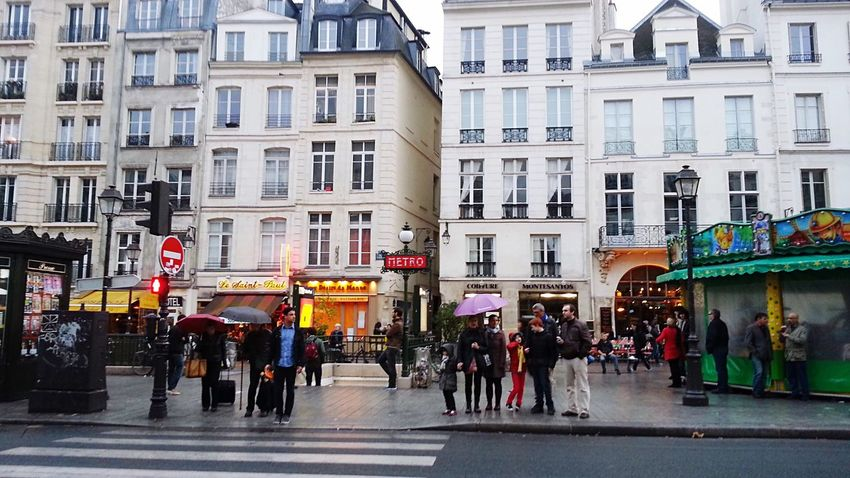 Paris Paris, France  France Metro Subway Lemarais Summer Street Architecture French Houses Frenchie Frenchlife Parisian Parisian Cliché ParisianLifestyle