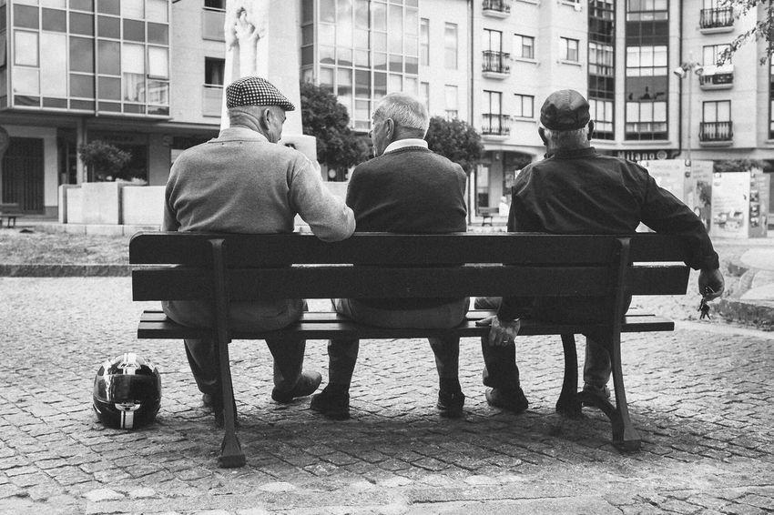 Santiago De Compostela Streetphotography People Street Photography Luisgonçalves Luisgonçalvesfotografia Bn Bw Eye4photography  Fotografogalicia The Week Of Eyeem