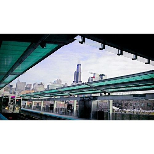 Searstower Trainstation PinkLine MorganStop Afternoon Sunny Clouds FuckingCold