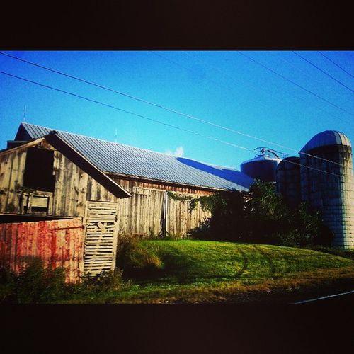 A big, crooked barn Farmporn Ruraldecay Barn Amishcountry rurex trb_members1 crooked door weathered mismatched rt45 pennsylvania