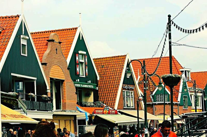 Volendam Taking Photos Hello World Taking Pictures Building Exterior Built Structure Architecture House Holland Nederland Tradizional Traveling Colors Beautiful Road Quartier Exploring Experience World Weekend Sun Clouds And Sky Lookingup