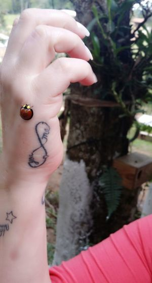Human Hand One Person Human Body Part Tattoo One Woman Only Day Portrait Nail Polish Youandme BeautifulInsects Funnypictures 🐞🐞🐞 Verycute Strolling Inmyhand Lovely EyeEm Selfiework Women Woman Portrait Selfie ✌