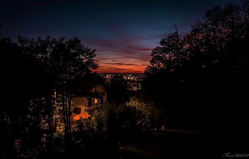 Ce soir du balcon .... Enjoy Streetphotography Street Photography Streetphoto_color Street City Cityscapes Cityscape