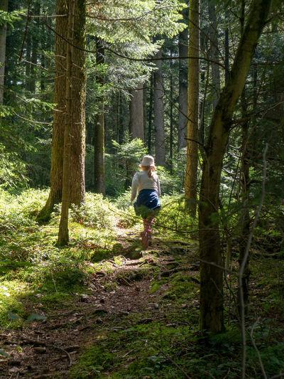 Child Walking Hidden Path Countryside Scenics Idyllic Calm Mountain Hiker Non-urban Scene
