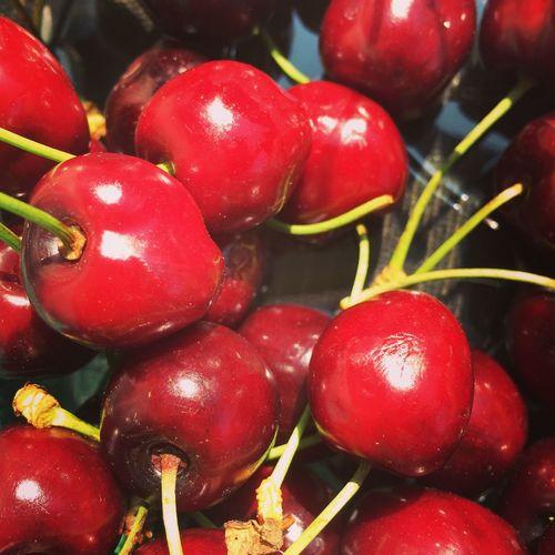 Cherries Fresh Fruit Fruit Picking Freshly Picked Cherry Red Cherry Punnet Cherry Punnet Bunch Of Cherries Fruit Close Up Of Cherries