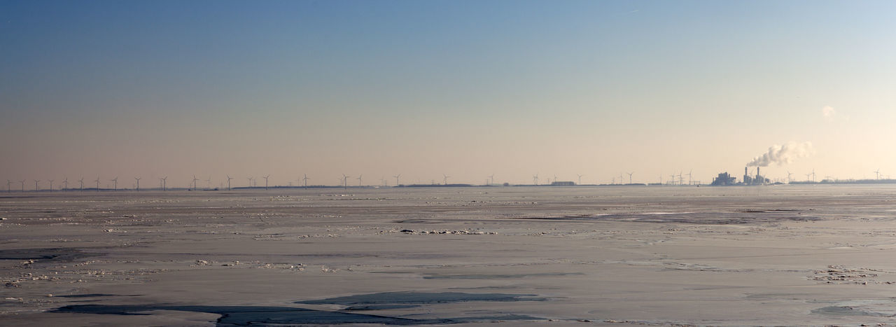 Backgrounds Cold Temperature Environment Indusrty Landscape No People Non-urban Scene Pollution Sky Winter