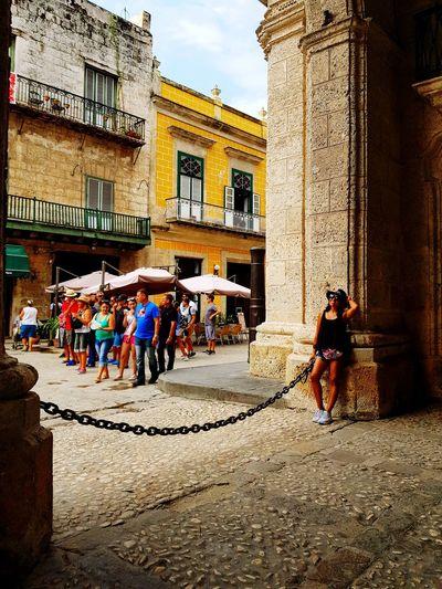 Calles de Cuba y felicidad #cuba Men City Women Sky Architecture Building Exterior Built Structure Visiting Tourist