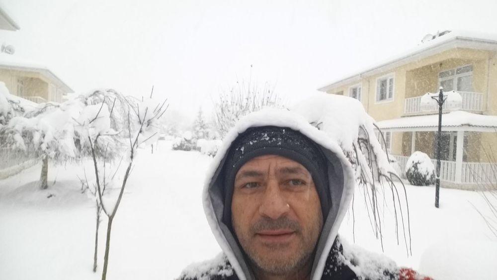 Bahçemde kar taneleri EyeEm Nature Lover Turkey💕 My Home Town! First Eyeem Photo