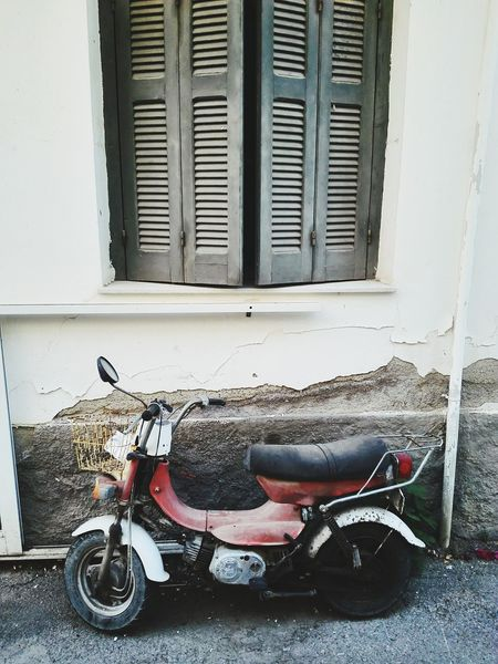 Transportation Stationary Mode Of Transport Built Structure Motorcycle Day Outdoors Building Exterior No People Architecture City