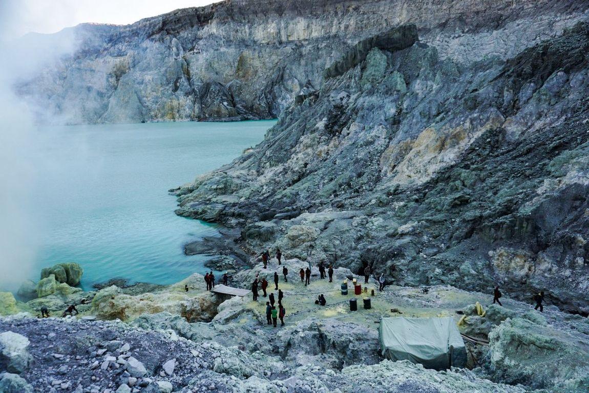 Ijen Crater IjenMountain Lake View Mountain Sulfur Mountain Outdoors Indonesiamountain Panorama Travel Photography Connected By Travel Tourism Destination Amazingindonesia Wonderful Indonesia Pesonaindonesia
