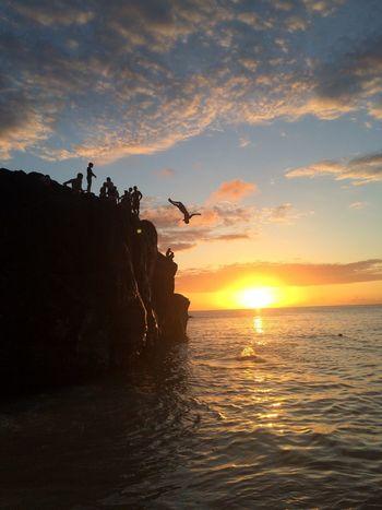 CliffJumping Cliffdiving Hawaii Sunset Nature On Your Doorstep