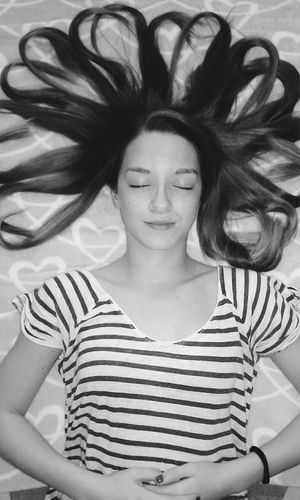 Picture Photo Hello World Photography Love Frenchgirl French Girl My Sister Photo De Moi Soeur  Black Blackandwhite Coeur  Black And White