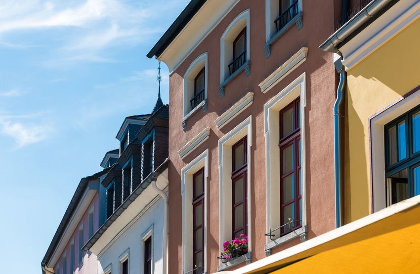 XANTEN, GERMANY - SEPTEMBER 07, 2016: Many houses around the market place have colorful facades A Blue Sky Castel Cathedral Downtown Germany History Medieval Photography Place To Visit Roman Tour Touristic Attratio Xanten