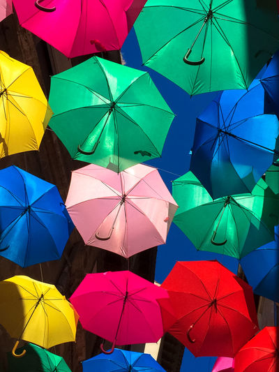 Umbrella Sky Abundance Backgrounds Blue Close-up Colorful Day Full Frame In A Row Large Group Of Objects Low Angle View Multi Colored Nature No People Outdoors Parapluies Parasol Repetition Sky Umbrella