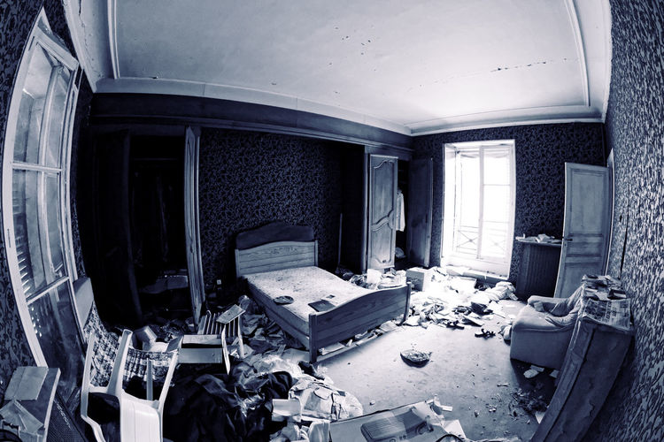 Abandoned Bordel Chambre Commode Computer Cyan Damaged Day Destruction Exploration Urbaine Fauteuil Fenêtre Indoors  Lit Moth4fok No People Porte Urbex Villa De L'ambassadeur Vintage Window Visual Feast The Photojournalist - 2017 EyeEm Awards BYOPaper! EyeEmNewHere Place Of Heart Sommergefühle Let's Go. Together. EyeEm Selects