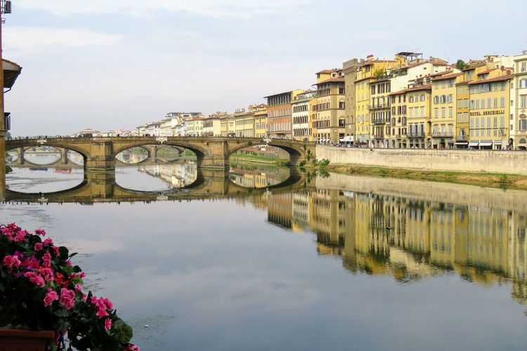 Bridge, Florence, Italy Firenze, Italy Florence Italy Florence, Italie Architecture Building Exterior Built Structure Day Reflection Water