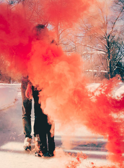 Talcum Powder Holi Athlete Red Powder Paint Sport Basketball - Sport Smoke - Physical Structure Spraying Firework - Man Made Object Sparkler Wire Wool Firework Display Fire - Natural Phenomenon Firework Bonfire Street Art High-speed Photography Event Exploding