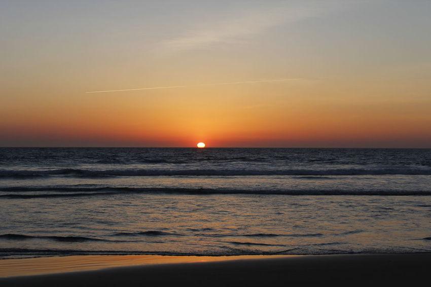 Beach Photography Beautiful Sunset Seascape Seascape Photography Sunset Sunset #sun #clouds #skylovers #sky #nature #beautifulinnature #naturalbeauty #photography #landscape Sunset At The Beach Sunsetbeach