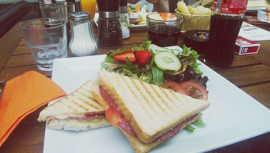 Jummi  Sandwich Relaxing