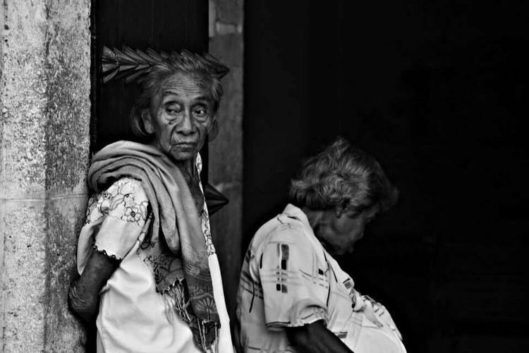 Blackandwhite Photo Monochrome Streetphotography Hello World People Taking Photos Rgaeta EyeEm Best Shots al registrar esa exprecion .... Wooow! Humildad ☺️