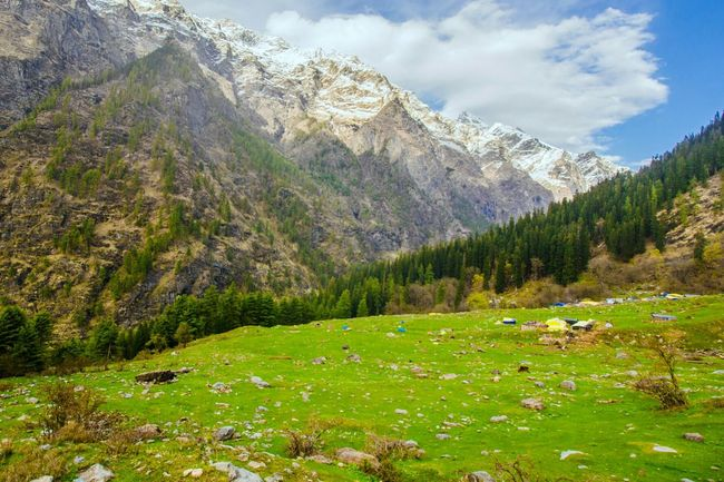 LOCATION: Kheerganga, Parvati Valley, Himachal Pradesh, India. STARTING POINTS: Barsheni, Kalga, Tosh. Once you reach here, you cannot help but be mesmerised by the beauty of the vast lush green meadows and the close proximity of the gigantic snow-clad peaks. There are three routes that lead to Kheerganga. The one from Kalga is the short and steep. It is also the most scenic amongst the three. Another highlight of the place is the natural sulphur hot spring. The best place to be when it is spine chilling cold outside. The place derives it's name from the white sulphur particles(referred to as the KHEER) floating in the spring. ELEVATION: 13,051 ft. Winters Exhilarating Wildatheart Travel Backpacking Outdoors Camping Out HDR Tranquility Nature Indiaincredible Scenics Mountains And Valleys Himachal, India Himalayas, India Himalaya Range Himalayanstories Wanderers Hiking, Mountains, Adventure Trekking In Himalayas Naturephotography Selfactualization