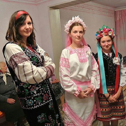 Ukrainian wedding Ukrainian  Wedding Ukrainianwedding Westukraine girls heritage nationalclothing свадьба украина национальнаяодежда девушки