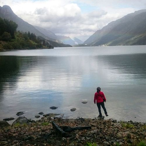 Man Woman Woman Who Inspire You Fjordsofnorway Mountains Adventure Active Lifestyle  Adventure Travel Lake River Norway🇳🇴 Autumn🍁🍁🍁 Nature Outdoors❤ Clouds And Sky Horizon Over Water Horizon View