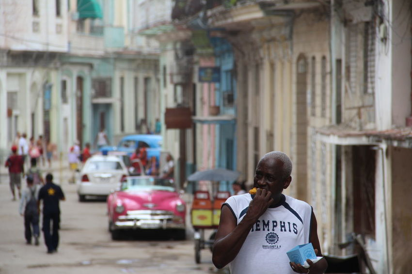 Habana Almuerzo Architecture Comunismo Contrastes Outdoors Simplicity Street Supervivencia