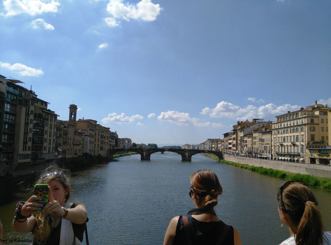 Uno sguardo da Ponte Vecchio Landscape Architecture Sky Travel People River Photography Italy Italianplace Water Bridge EyeEm Best Shots EyeEm Gallery Eyeemphotography Firenze