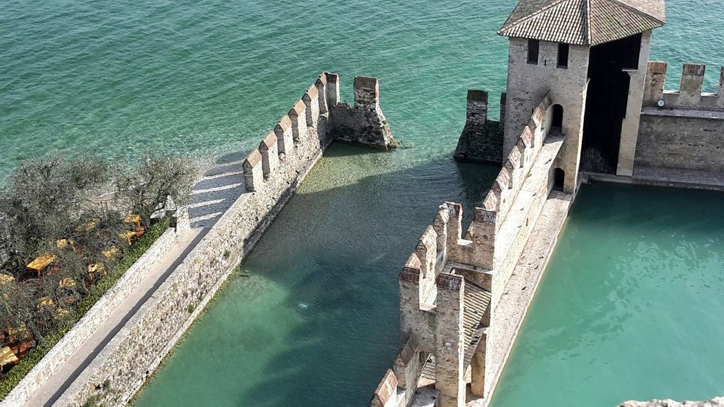Travel Photography Traveling Travel Nature Nature_collection Nature Photography Buildingphothography Building Castle Water Lake Gardasee Gardalake Sirmionedelgarda Sirmione Italia Italy March