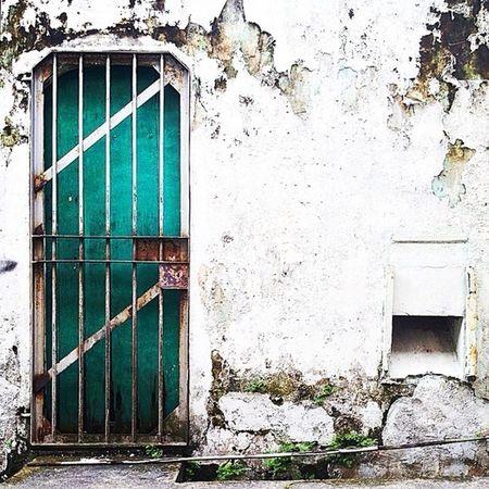 Door Beauty Of Decay Partnersingrime Grime