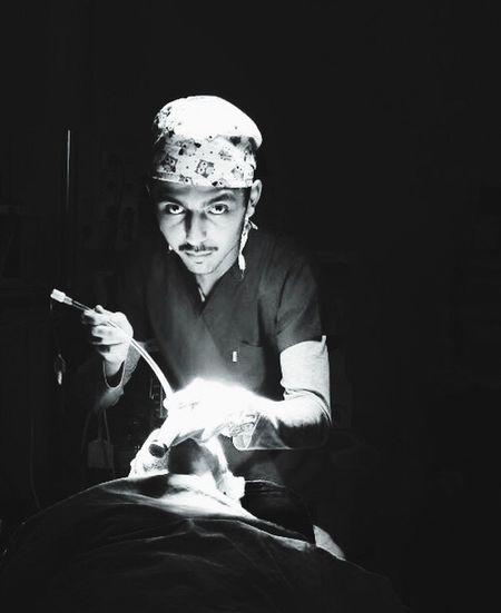 Anestezi Teknikeriyim demişmiydim Entübasyon Laringoskop ışık Siyahbeyaz Parıltı