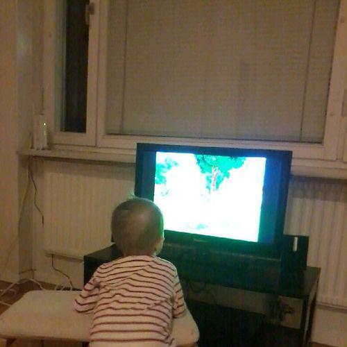 Nothing like a little bit of TV to entertain the sick Backyardigans TheYeti