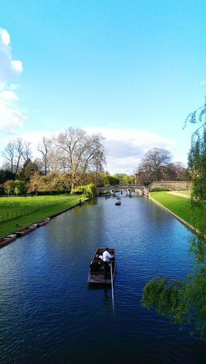 Cambridge, you pretty. Cambridge King's College Springtime Walking Around River Punting