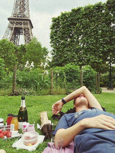 Eiffel Tower Paris Picnic Plant Tree Real People Men Women Two People Grass Food And Drink Refreshment Casual Clothing