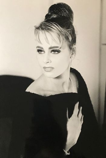 Brigitte Bardot Style Elégance Model 90s Fashion Model Modeling Shoot Blackandwhite French Model One Person Portrait Real People Indoors  Young Adult Looking At Camera Young Women Beauty Women Waist Up Headshot Lifestyles