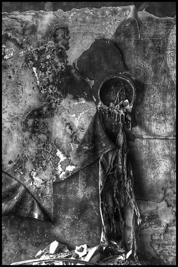 Surprise Urbex Urbex Kris Demey Photography Urbex Blackandwhite Blackandwhite Auto Post Production Filter Front View Day Representation Kris Demey Photography Urbex Blackandwhite Blackandwhite Auto Post Production Filter Front View Day Representation No People Deterioration Weathered