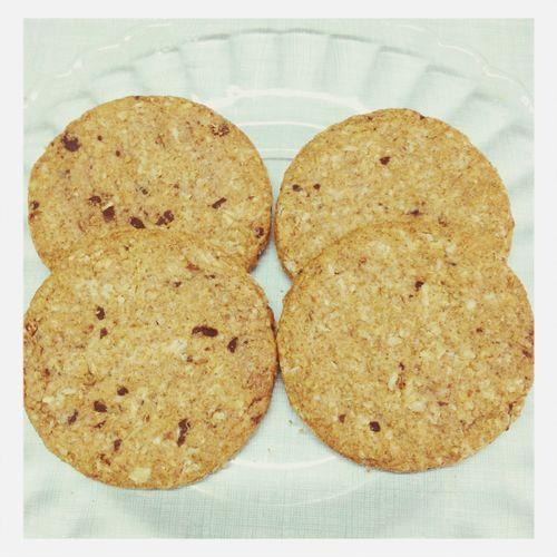 Dark chocolate and oat biscuits with no sugar. Food Vegetarian Food Vegan Biscuits
