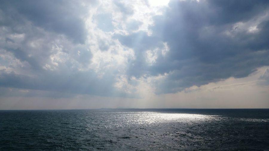 Hello World Enjoying The Sun Sunshine Shore Line Nature Seaside Sky And Sea Japan Photography Wakayama,japan Ultimate Japan