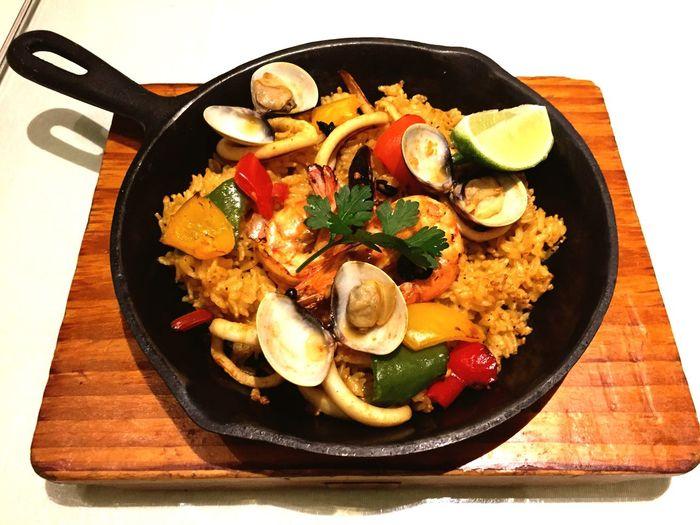西班牙海鮮烤飯 Seafood Pealla 554大卡 Eating Dinner