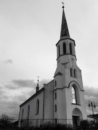 Church Building Exterior Sky Built Structure Building Architecture Low Angle View Place Of Worship