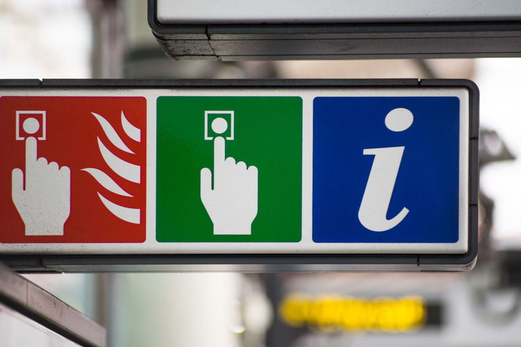 Sign Signage Signs Communication Direction Fire Alarm Button Green Color Guidance Help Desk Information Information Desk No People Press To Exit