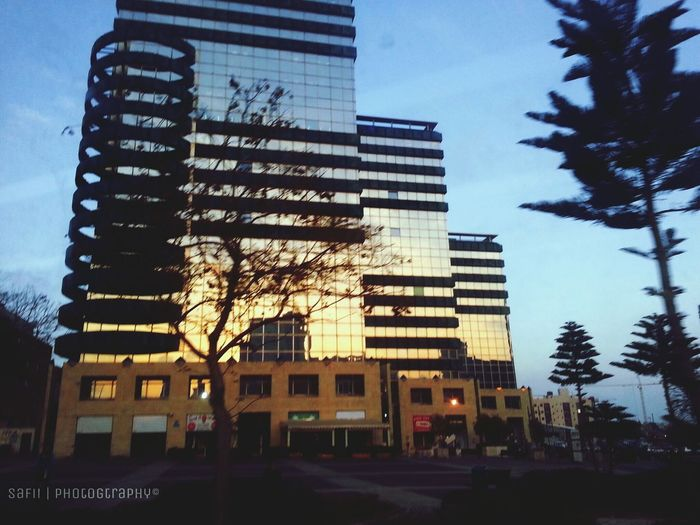 another style of capturing sunset in cities. hehe Sunset EyeEm Nature Lover Street Photography EyeEm Best Shots