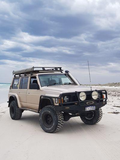 EyeEm Selects 4x4 Car Vehicle Breakdown Sky Off-road Vehicle Motor Vehicle