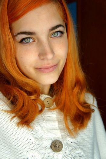 Ginger Green Eyes Modelling Curles Gingers EyebrowPiercing Piercing
