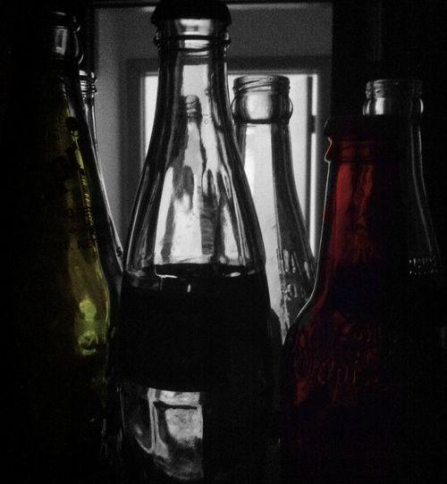 --/: CΛΝΤ SΗΛΤTΣΓ :\-- Bottle Light Colored Glass Glass Colorsplash EyeEm Best Shots Vintage Nothing Special