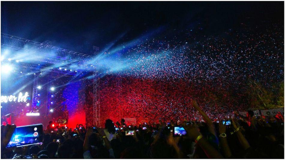 Evolution Night Illuminated Nightlife Performance Music Sunburn NucleyaSnapseed Chennai Djsnake Midnight Fireworks Red Blue Oneplus3T
