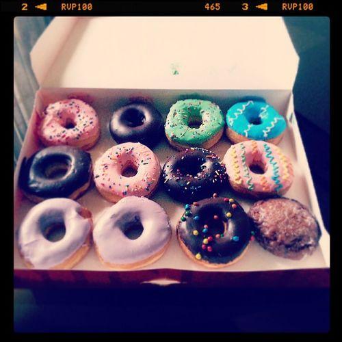 Comprando sus antojitos a la mujer mas linda de este planeta Donuts Dunkindonuts